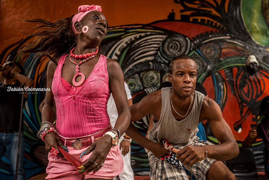 afrocupan couple dancing in a show in this photography tour to cuba in 2016 2017