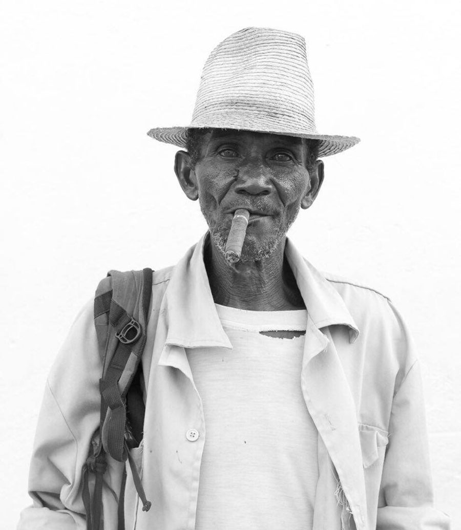 old cuban man in a black and white portrait in this workshop of photography to cuba 2017