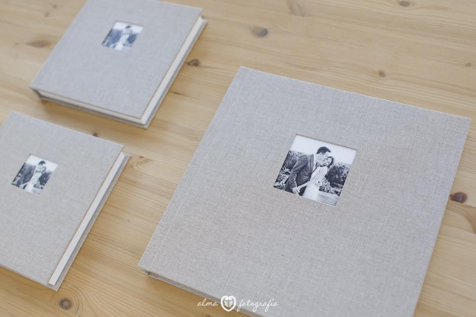 Alma Fotografia Madrid Album de boda lino beige y dos albumes de padres