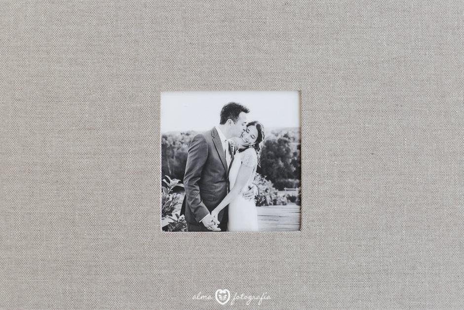Alma Fotografia Madrid Album de boda lino beige detalle de portada