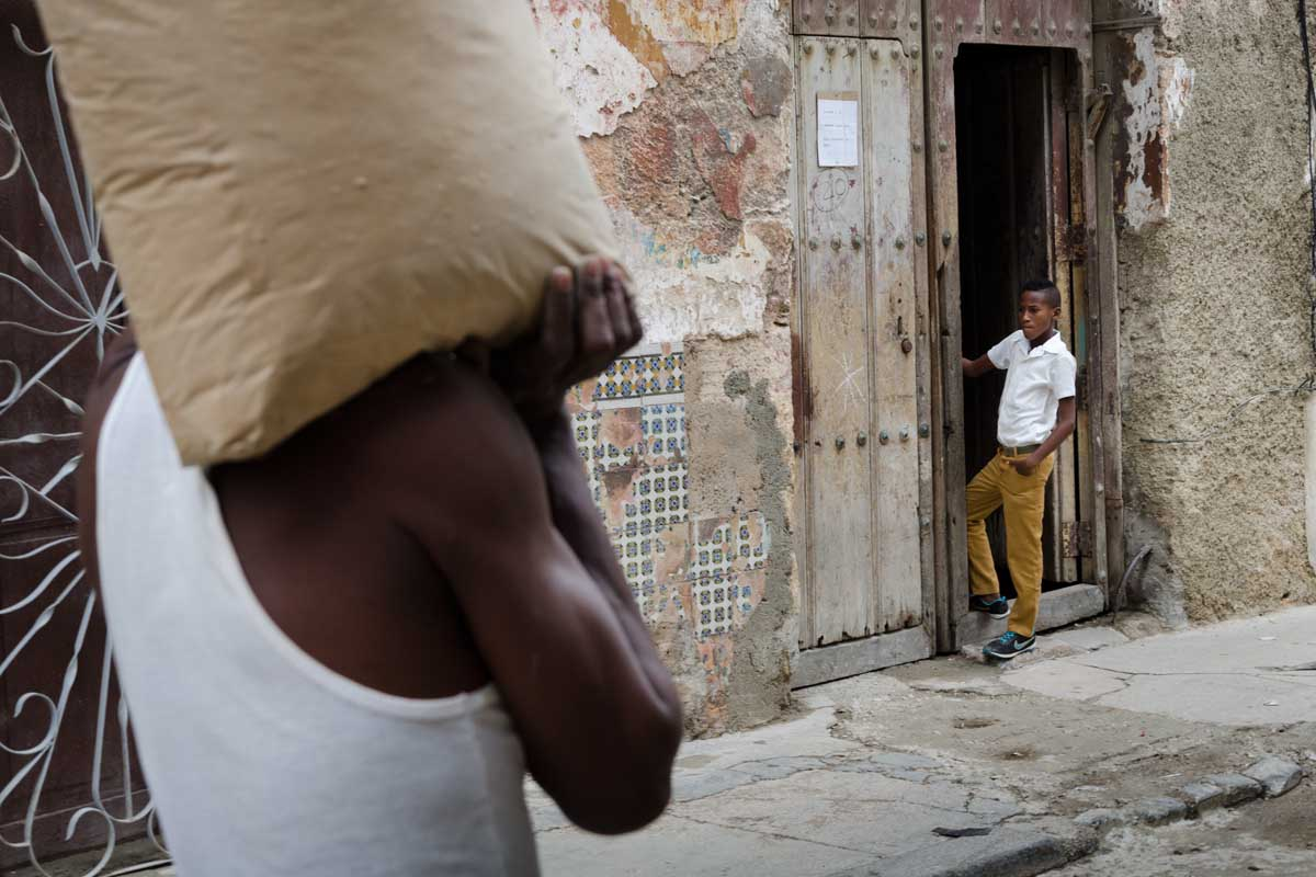 cuban scenes, daily life with street cuban photography