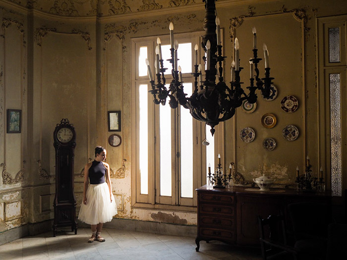 ballet dancers and colonial houses in our photo workshops in Cuba
