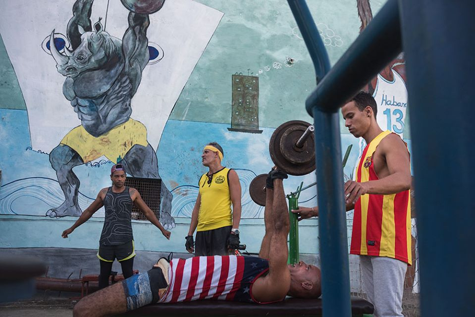 street gyms in hava , cuban picture of 4 man training