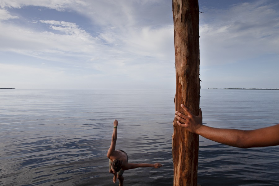 Hands in the middle of the ocean in my photography workshops in cuba