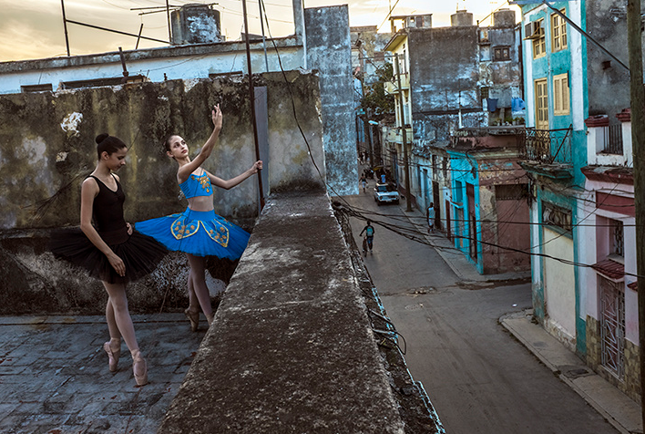 cuban ballerina dancers in a terrace in havana by Leysis quesada