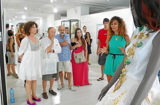 Exposición 'Pomar. Tradició i avantguarda'. Josefa Costa, Toni Pomar Juan, Elisa Pomar y Toni Pomar